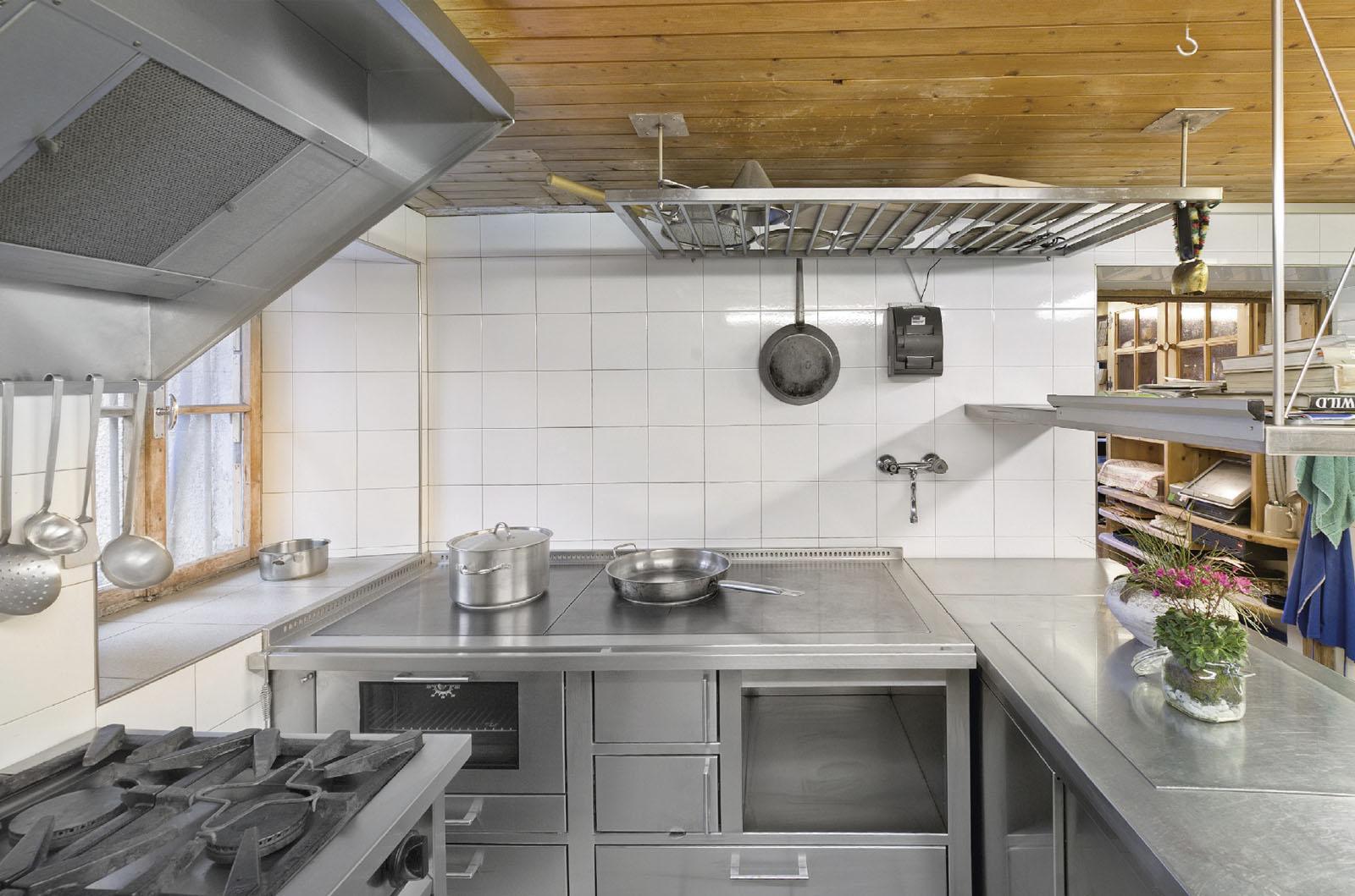 Termocucine cucine a legna cucine economiche a legna for Cucine pertinger